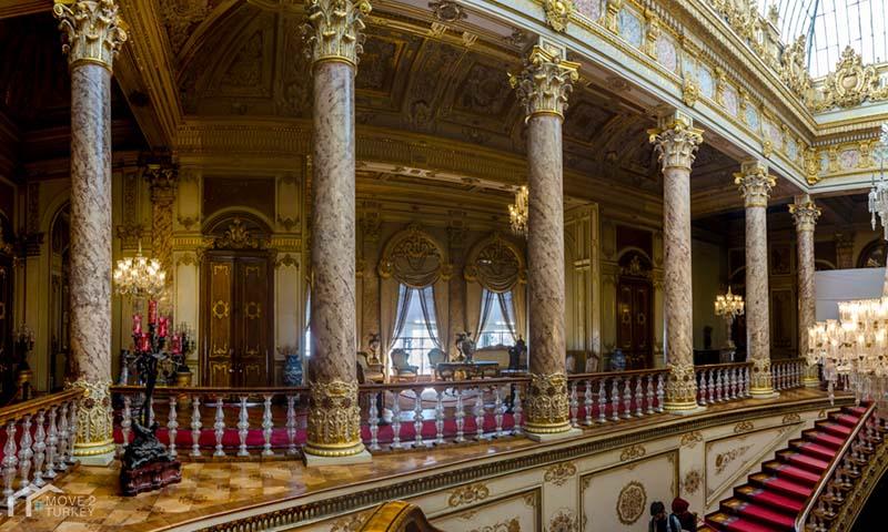Dolmabahçe Palace inside